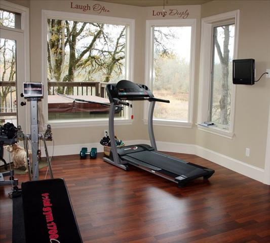 tn_480_Custom-Exercise_room.jpg